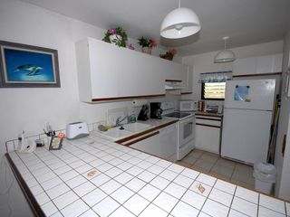 Kailua Kona condo photo - Fully equipped kitchen.