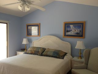 Fernandina Beach townhome photo - Our king bed with temprapedic cover is enticing