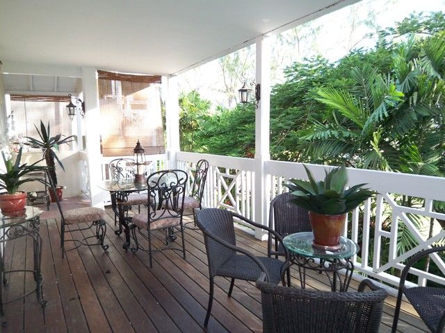 Well appointed apartment on a golf course, close to beach, free golf included.
