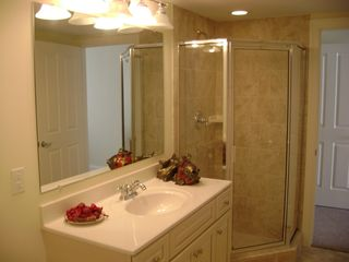 Belmont Towers Ocean City condo photo - Shared Bathroom