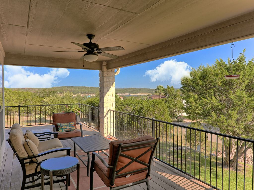 Lake & Hill Country Views!!!  Winter Texans welcome – call for discounted rates!