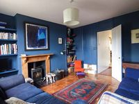 CHAPEL COTTAGE, pet friendly, with open fire in Pin Mill, Ref 915284