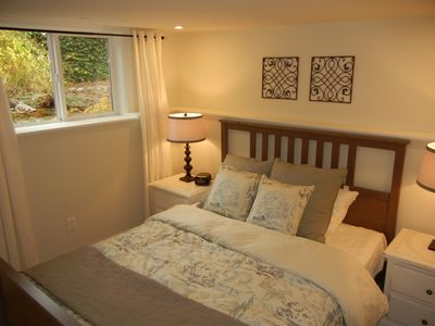 Newly Renovated Suite  On Forested Lot Steps From Hospital And Bus Routes.