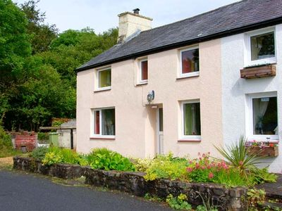 GORWEL, pet friendly, with a garden in Aberaeron, Ref 15563