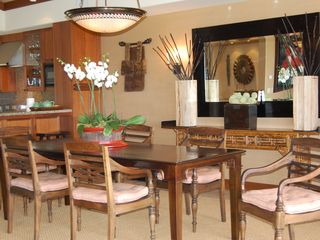 Four Seasons Hualalai villa photo - indoor dining area