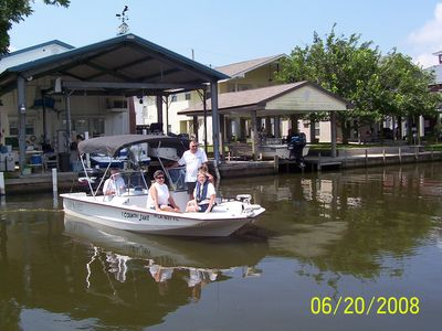 Barataria house rental - Boating with Friends