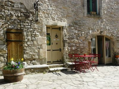 Stay in Pic Saint Loup vineyards north of Montpellier - Mediterranean and Cévennes