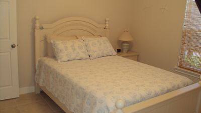 Galveston house rental - 2nd Bedroom with Queen Bed