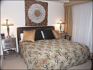 Snowmass Village townhome photo - 2nd Bedroom with Queen Bed, Deck, Bath