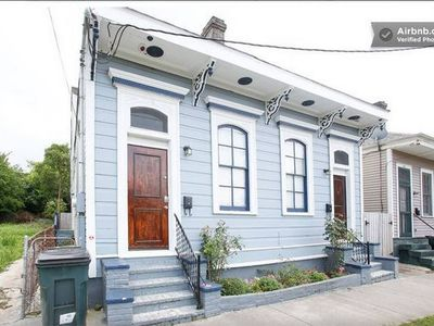 Charming Authentic MidCity!  Next to Street Car - .9 miles to French Quarter