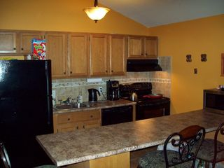 Emerald Lakes house photo - Fully equipped kitchen - new appliances, coffee maker, ice maker and dishwasher.