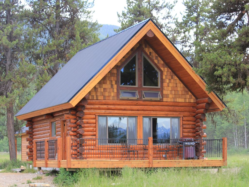 Beautiful log cabin stunning views of vrbo
