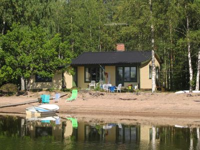 Cottage with its own sandy beach ten meters from the lake