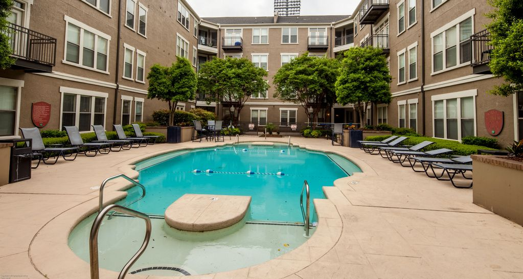 Attractive 4th Street Apartment By Stay Alfred Vrbo