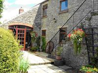 THE HAYLOFT, pet friendly in Newton-Upon-Rawcliffe, Ref 2052
