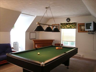 Billiard Room w/ Casino bar, A/C, TV, DVD & Futon (Sleeps 2) - 2nd Floor