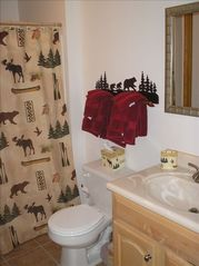 Towamensing Trails chalet photo - First Floor Bathroom Tastefully Decorated