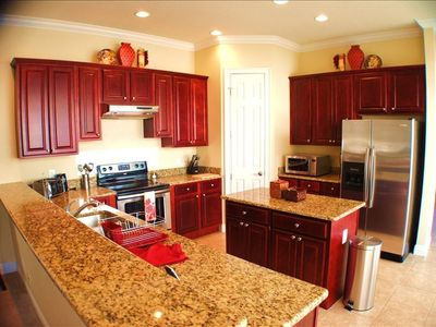Fully equiped Kitchen with center island