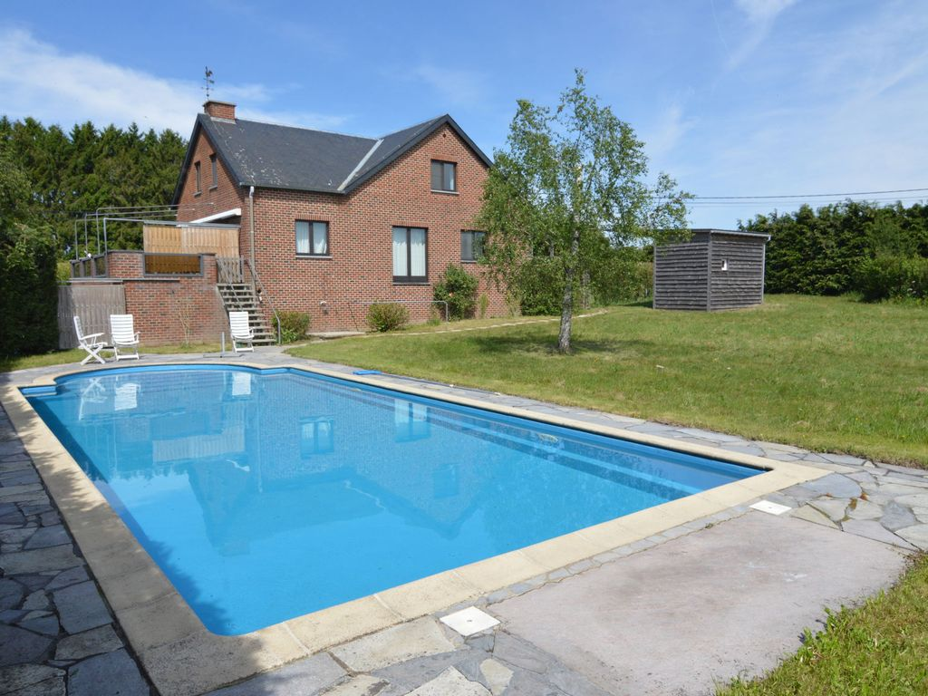 A little paradise for lovers of peacewith swimming pool, sauna and whirl pool.