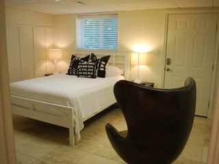 Point Lookout house photo - Entry Level Queen Bedroom Suite