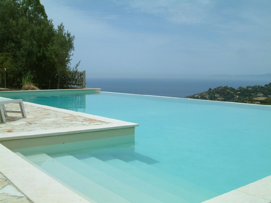 Beautiful villa in south sardinia with large infinity for Villas with infinity pools