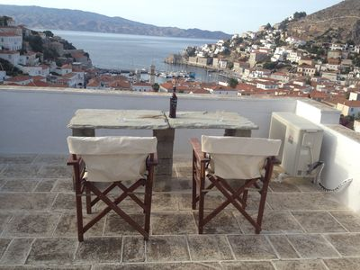 Hydra studio house with patio garden & roof terrace in the centre of Hydra town.