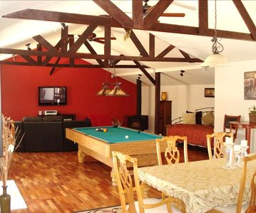 """The Entertainer""/Private Hot Tub/Pool Table/Plasma Tvs/More"
