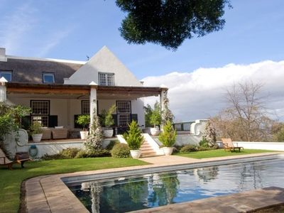 Constantia villa rental - Pool area and terrace
