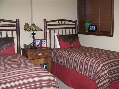 Deer Valley townhome rental - bedroom w two double beds