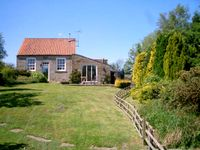 THE OLD CHAPEL, family friendly, with a garden in Fadmoor, Ref 2363
