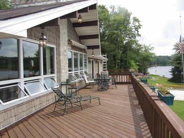 Huge 75 ft deck great for eating, lounging or gathering outside
