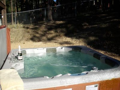 Backyard Jacuzzi for 6 Adults-A Great Place to Enjoy the Snow!