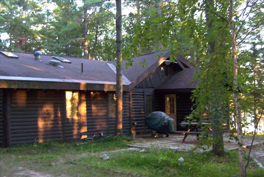 Spacious log cabin lots of privacy over vrbo for Cabin lots