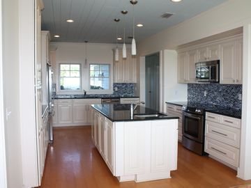 Large, modern kitchen
