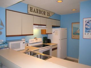 Harbor Island condo photo - Fully equiped kitchen with updated appliances.