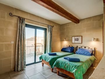 Soru_Holiday Home with private pool in Gozo