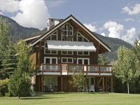 Luxury 5 bedroom Whistler chalet with country charm on the golf course