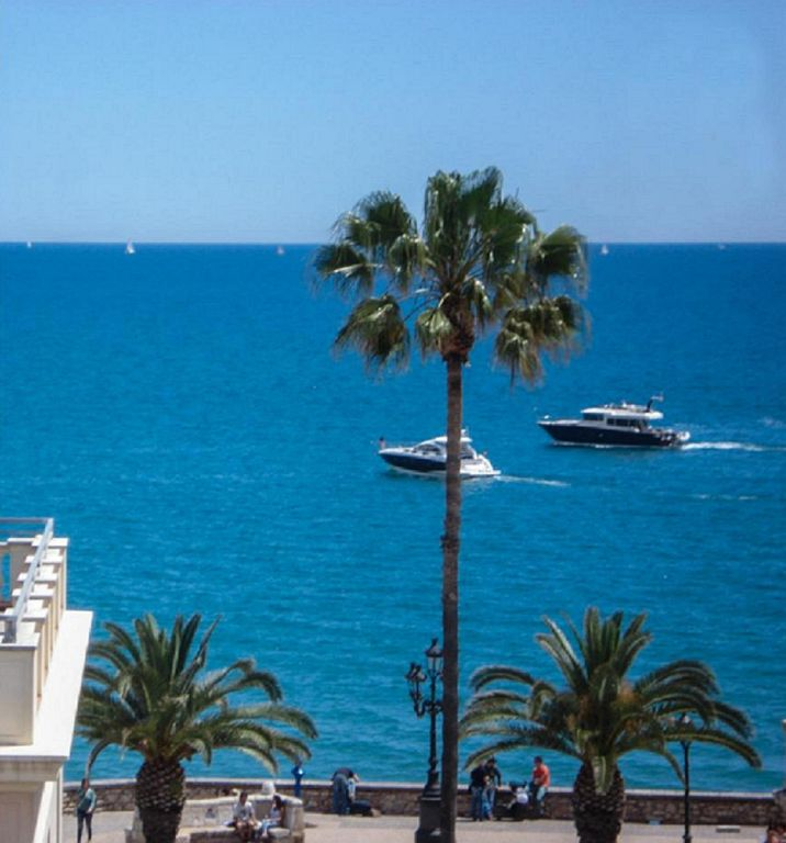 SEA VIEW SITGES! Excellent discounted rates for stays of 7+ nights and 30 nights