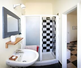Milan apartment photo - bathroom with big shower