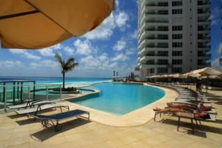 Luxurious Beach Front 3-Bedroom Vacation Condo