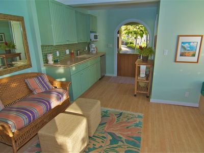 Lanikai house rental - Studio Kitchenette and living area