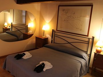 Grand Suite Monserrato. Bedroom 1