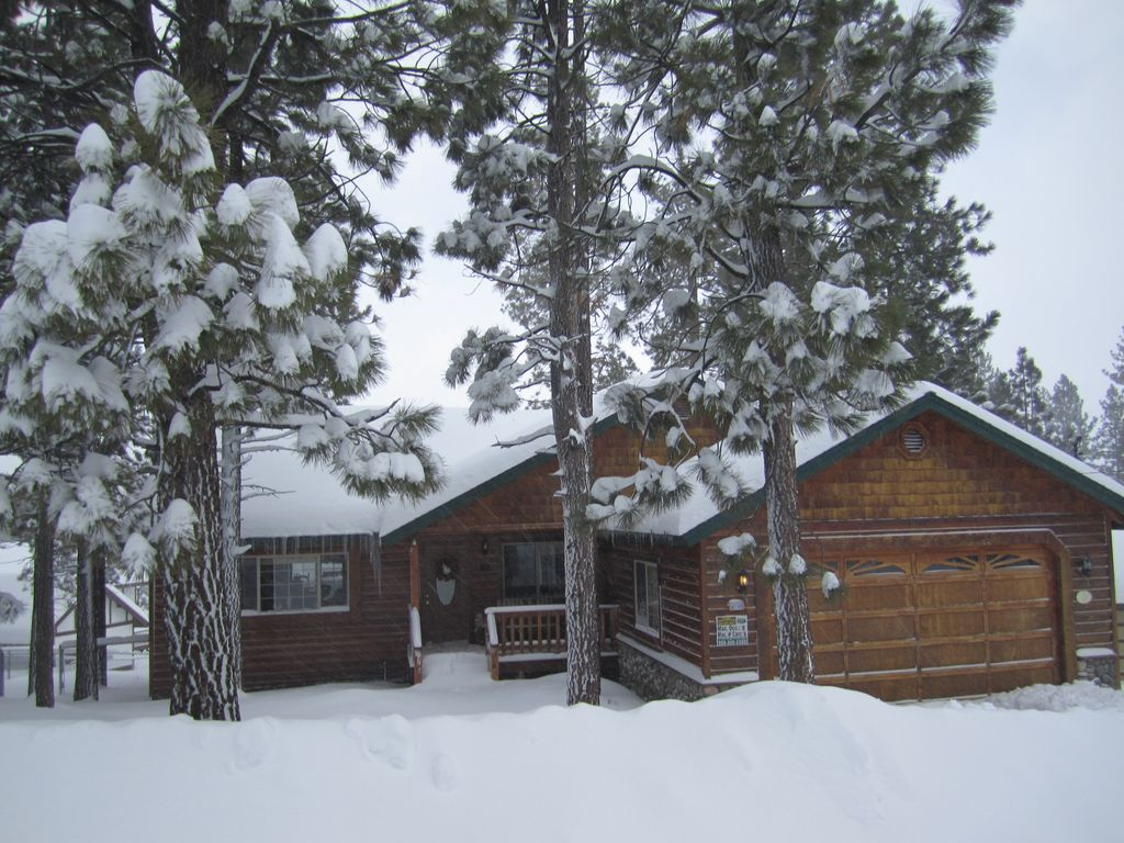 Big Bear Lake Cabin 3b 2b 1 2 Mile To Snow Vrbo