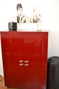 Knightsbridge apartment rental - Retro drinks cabinet