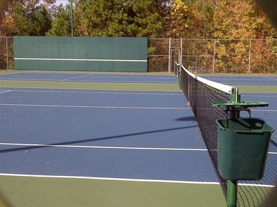 Tennis courts exclusively for Stillwaters Resort guests just 5 min away!