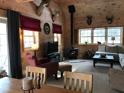 Pet friendly ! Private cabin yet close to small towns & ski slopes!