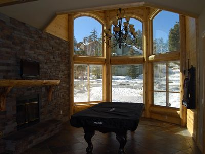Large 5Bed/4baths walk to BigBearCity Snow Play just couple minutes from anywher