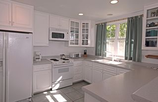 Kailua Kona house photo - Nice large kitchen with counter top dining.