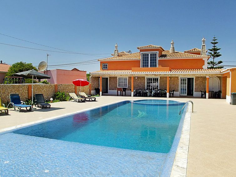 Holiday house, close to the beach, equipped with air conditioner