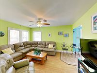 Charming 2BR Cottage w/ Outdoor Shower, Steps from Beach & Waterfront Shops